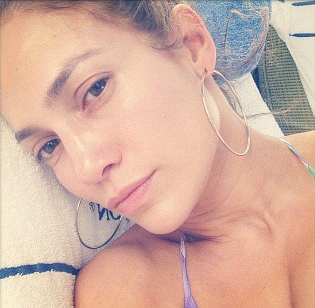 Jennnifer Lopez pokazała serię zdjęć bez makijażu (FOTO)