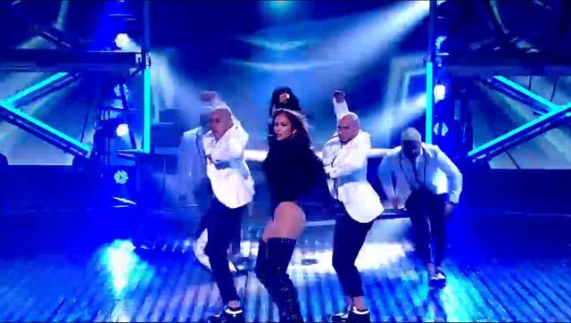 Jennifer Lopez pokazała krocze w Mam Talent (WIDEO)
