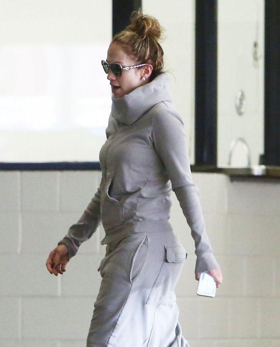 Królowa seksapilu nabrała wiatru w spodnie (FOTO)