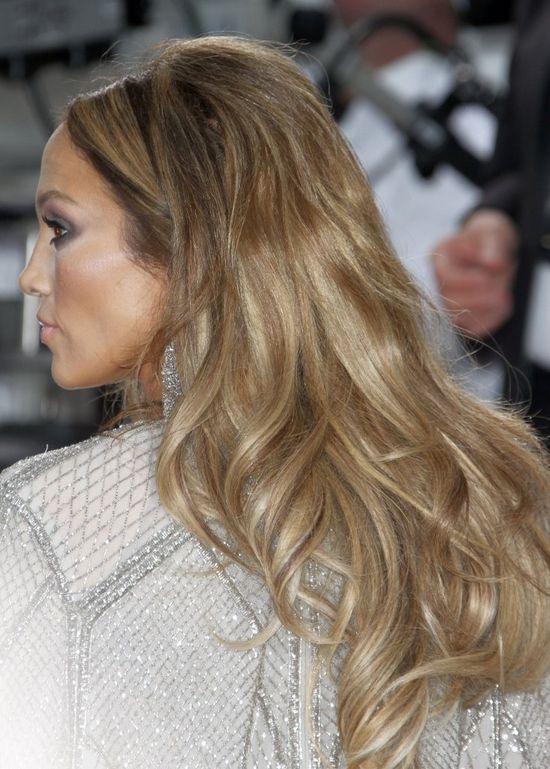 Makijażyści i fryzjerzy Lopez poszli o krok za daleko? FOTO