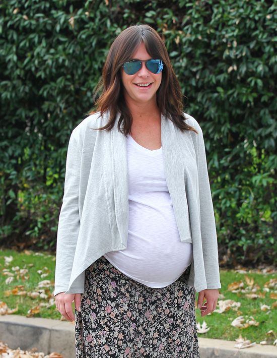 Ta gwiazda chętnie eksponuje swój ciążowy brzuszek (FOTO)