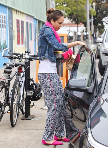 Alba nie wyjdzie na ulicę w rozciągniętych dresach (FOTO)