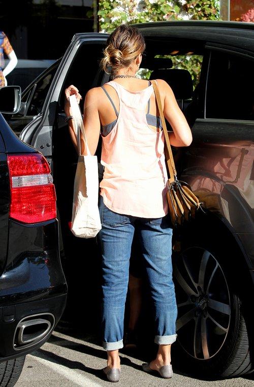 Jessica Alba ze swą kilkuletnią modnisią (FOTO)