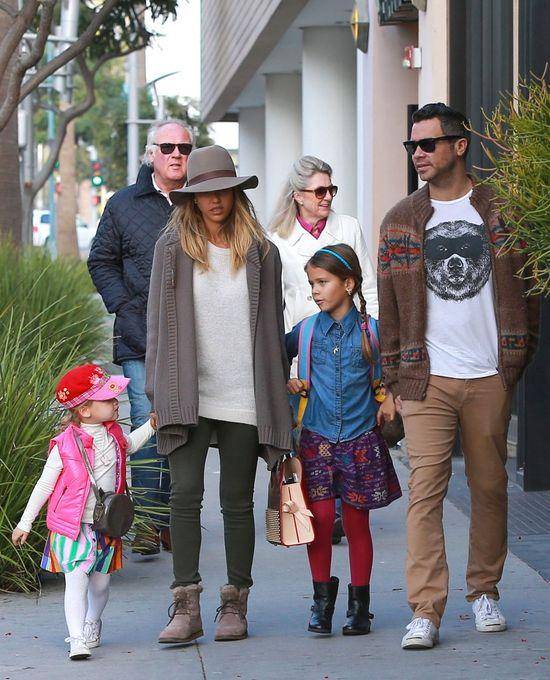 Rodzinka Jessiki Alby jest bardzo modna (FOTO)