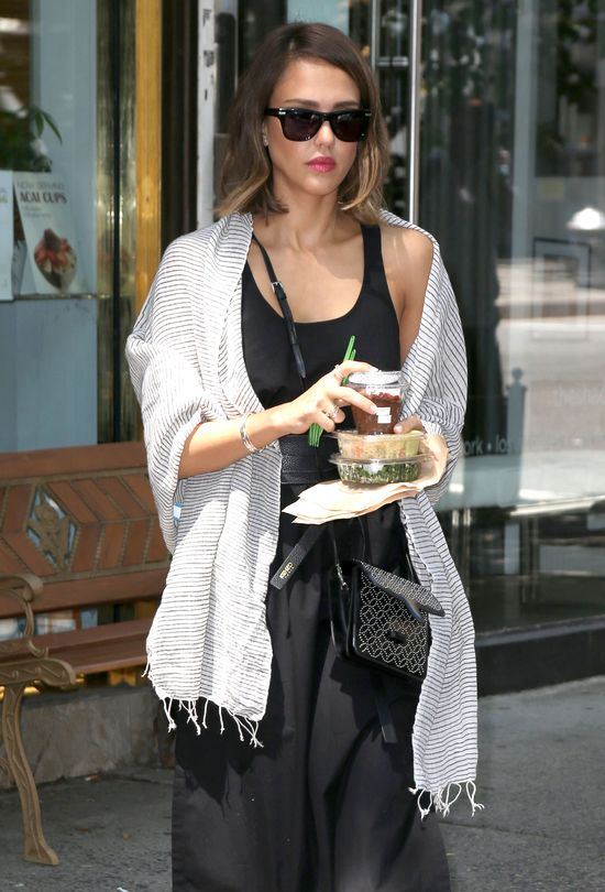 Co Jessica Alba jada na lunch? (FOTO)
