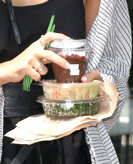 Co Jessica Alba jada na lunch? (FOTO)