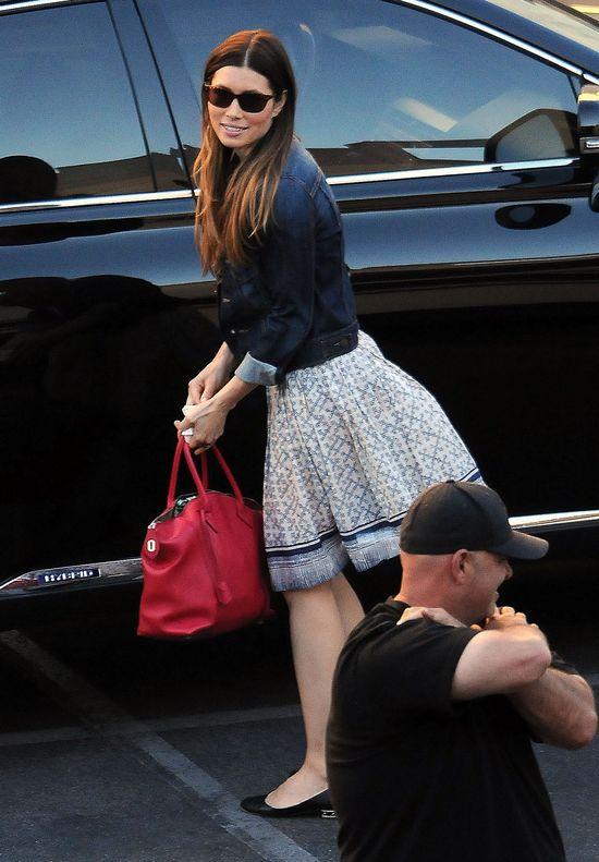 Jessica Biel z nudów wraca na mały ekran (FOTO)