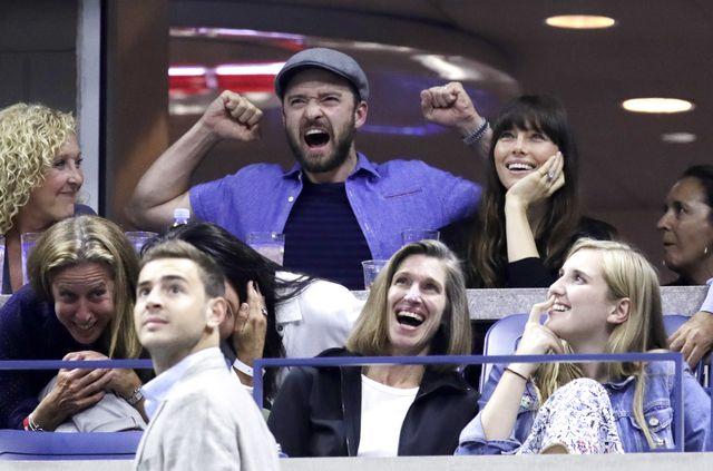 Co się dzieje, gdy Justin Timberlake przychodzi w nocy do domy z kolegami?