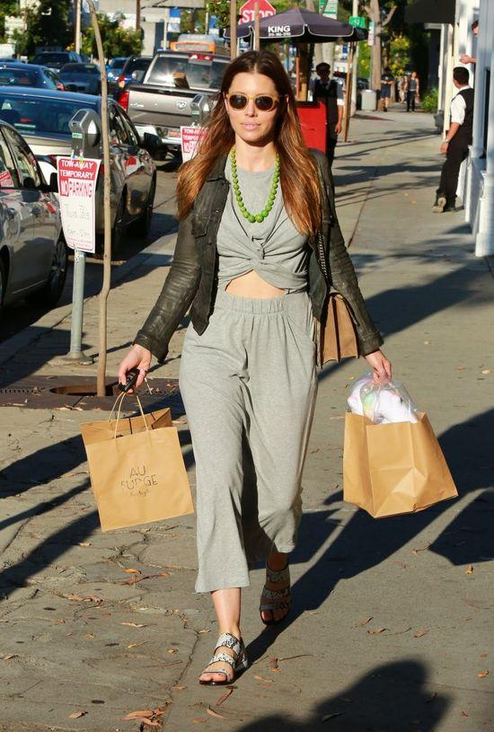 Jessica Biel przyłapana w bardzo niegwiazdorskim momencie (FOTO)