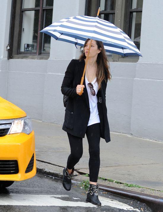 Jessica Biel nawet bez makija�u wygl�da dobrze (FOTO)