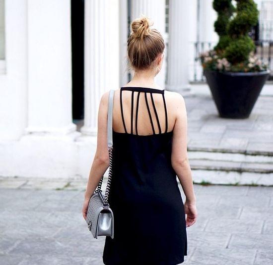 Jessica Mercedes pozuje w biustonoszu (FOTO)