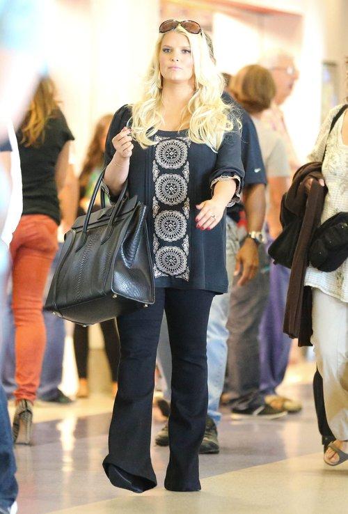 Jessica Simpson myśli o liposukcji