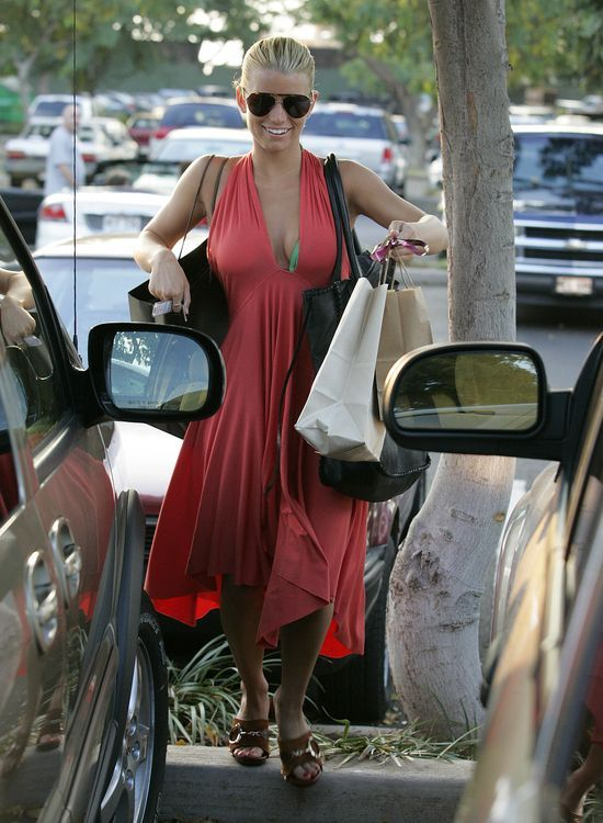 Katastrofa! Co się stało z Jessicą Simpson?! (FOTO)