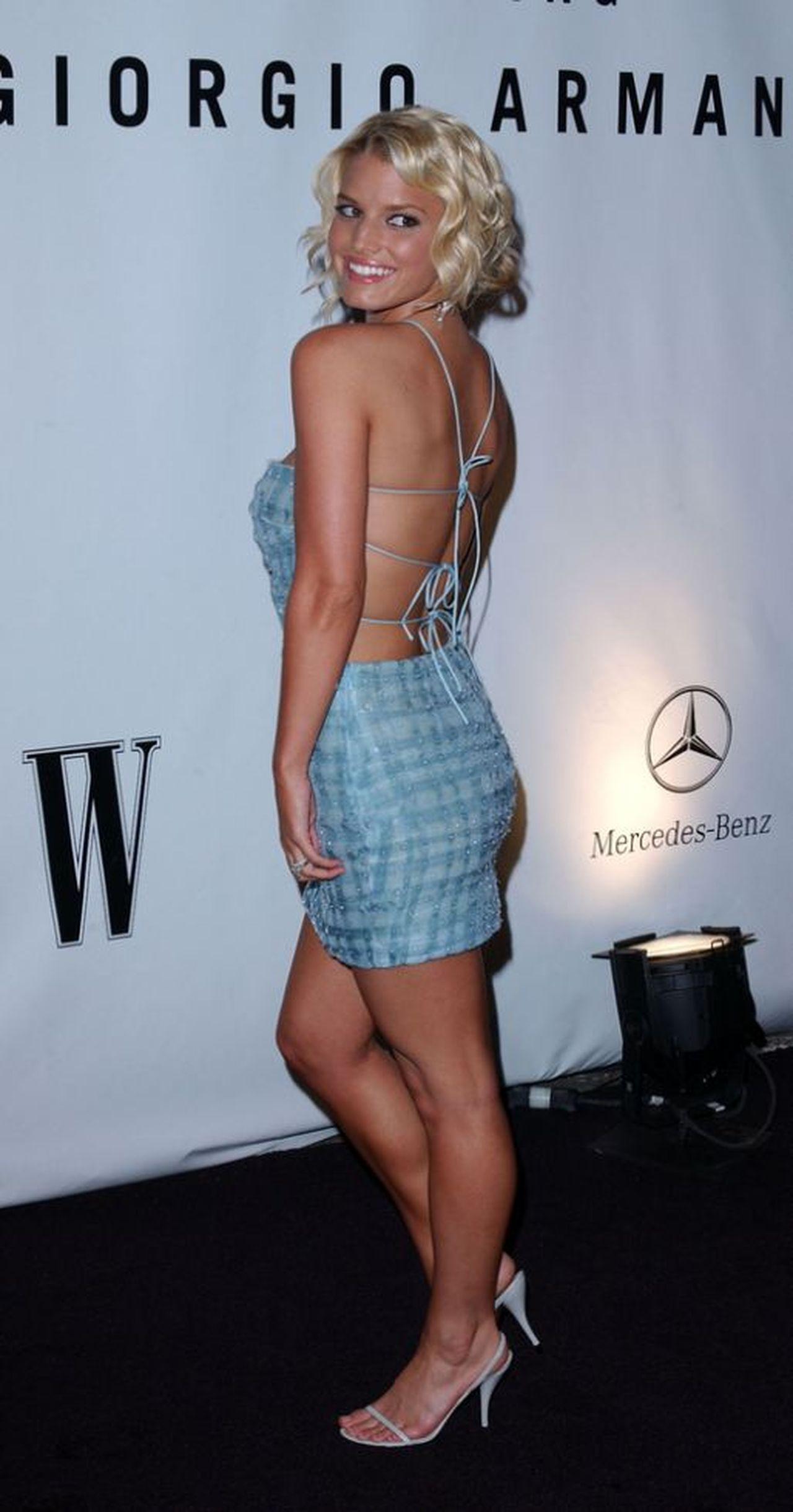 Jessica Simpson WYMIATA ze swoim #10yearschallenge - pokazała coś nietypowego