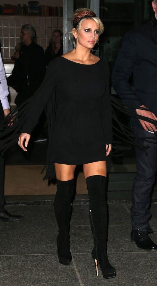 Ile warstw makijażu miała na sobie Jessica Simpson? (FOTO)