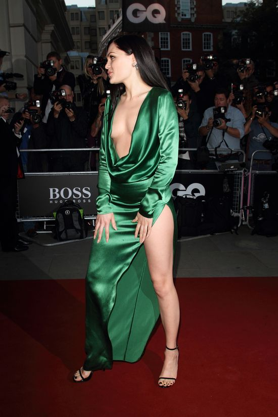 Gdzie się podziały jej piersi?! (FOTO)