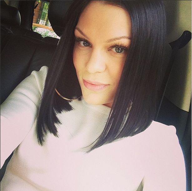 Co powiecie na Jessie J topless w łóżku i bez makijażu? FOTO