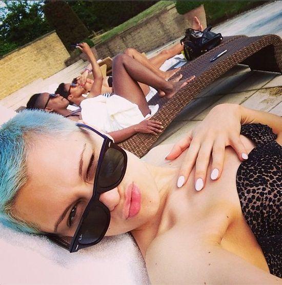 Jessie J eksperymentuje z włosami (FOTO)