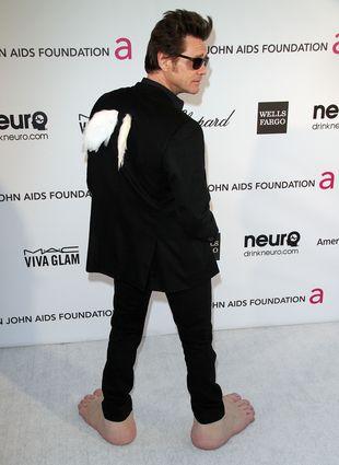 Wielkie, bose stopy na przyjęciu u Eltona Johna (FOTO)