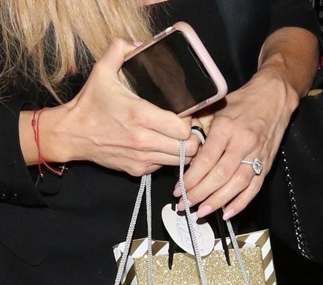 Joanna Krupa sama na zakupach - mamy nowe zdjęcia po plotkach o rozstaniu