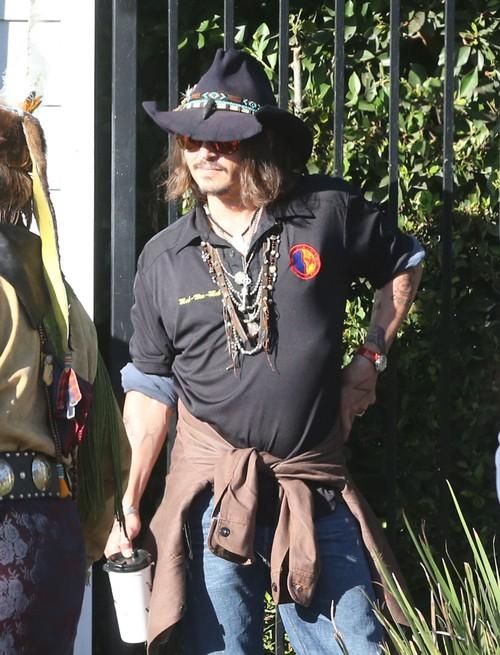 Wyraźnie zaniedbany Johnny Depp (FOTO)