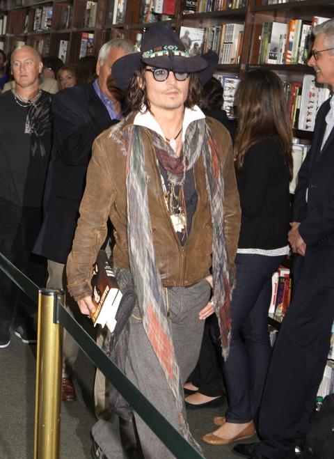 Johnny Depp - ubrany czy przebrany? (FOTO)