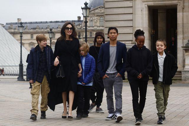 Angelina Jolie z dziećmi w Paryżu (ZDJĘCIA)