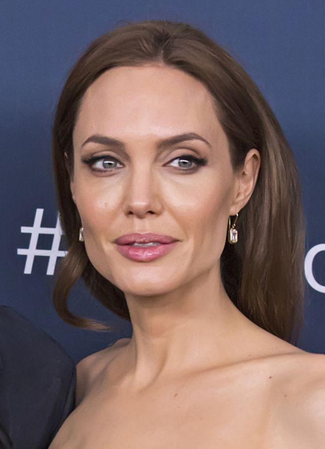 Wiemy, dlaczego Angelina Jolie zaliczyła makijażową wpadkę