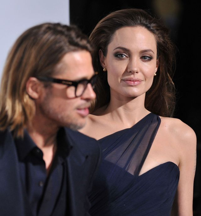 Angelina Jolie nie lubi swojego pier�cionka zar�czynowego?