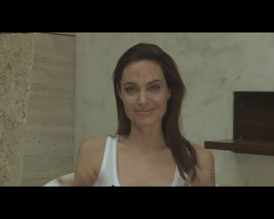 Angelina Jolie jest chora na ospę! [VIDEO]