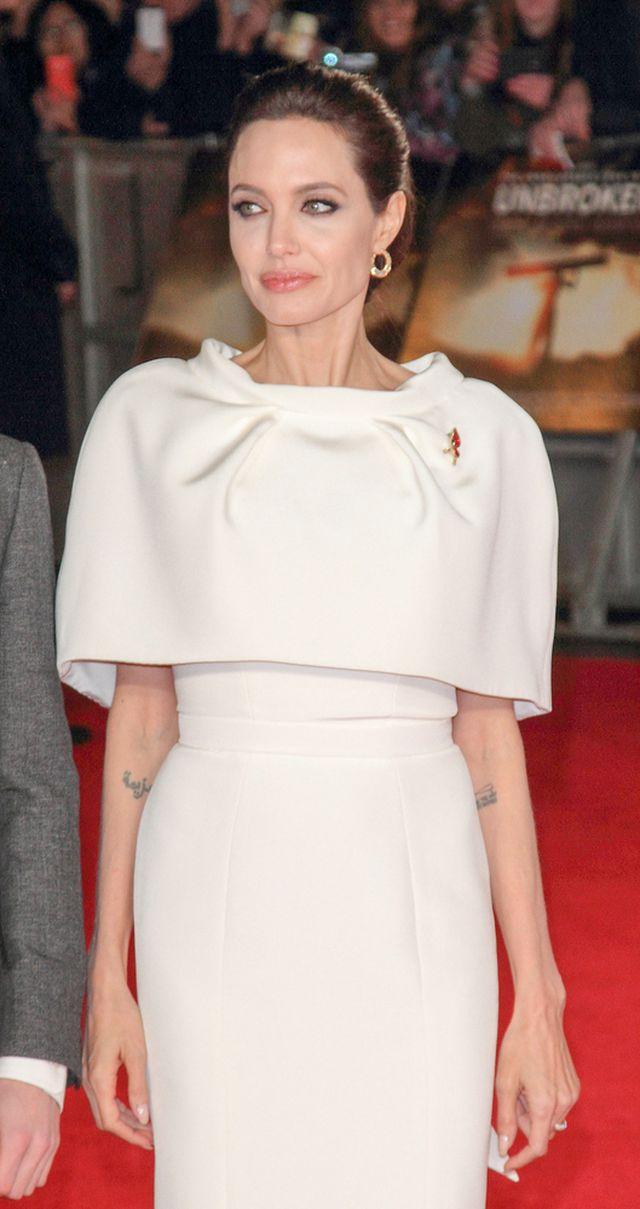 Chude kończyny Angeliny kłują oczy (FOTO)