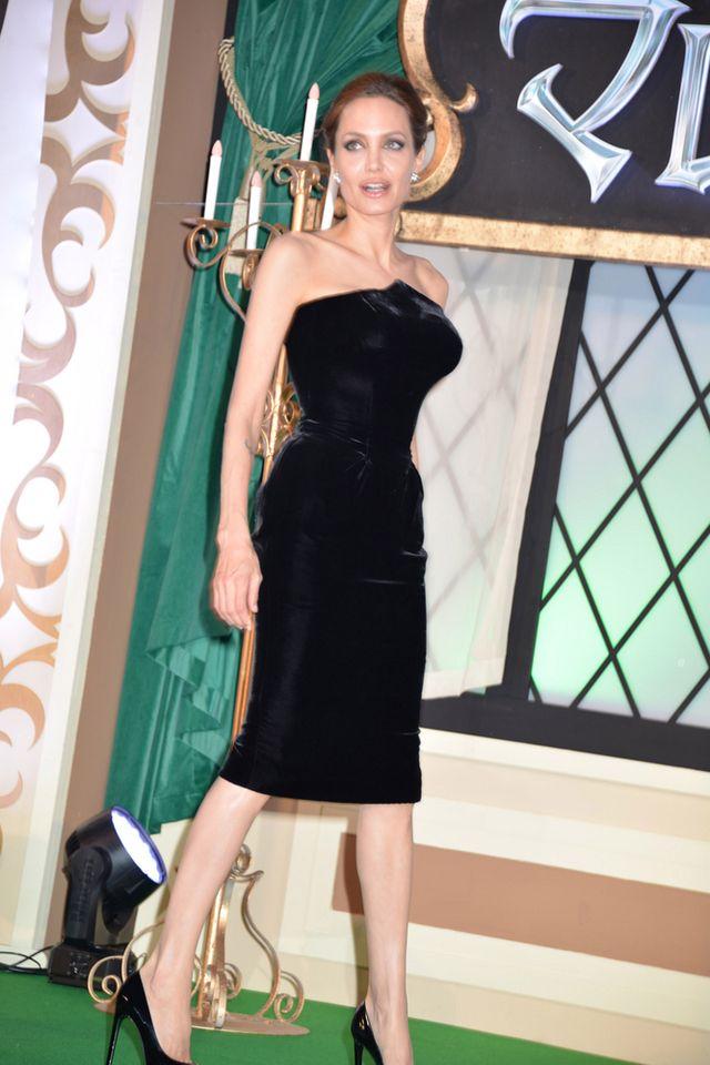 Angelinie Jolie bardzo URÓSŁ BIUST! (FOTO)