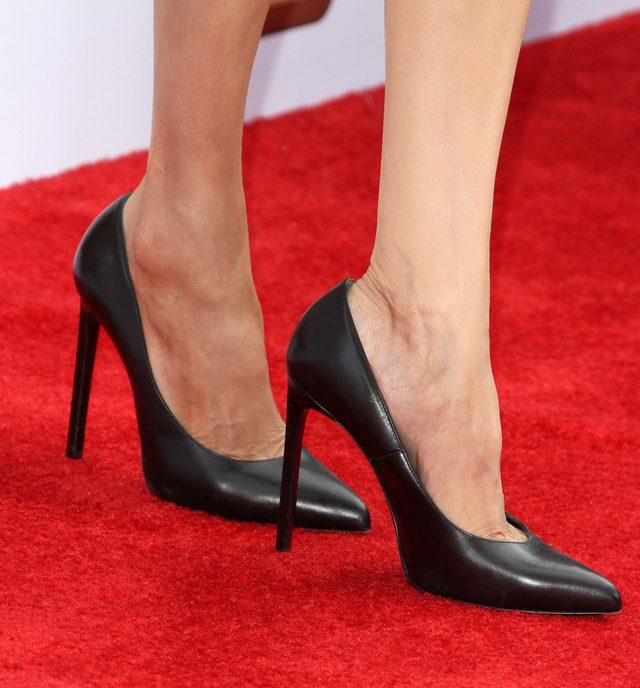 Chude kolana Angeliny Jolie - znów będą plotki (FOTO)