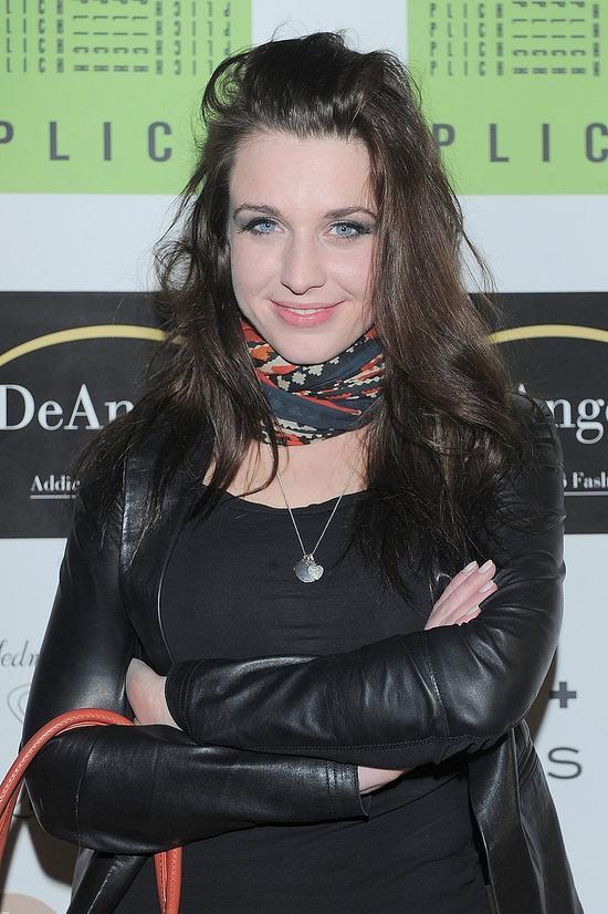 Skromny pier�cionek zar�czynowy Julii Kami�skiej (FOTO)