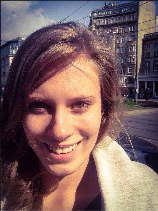 Julia Pietrucha pokaza�a video na muszli klozetowej (VIDEO)