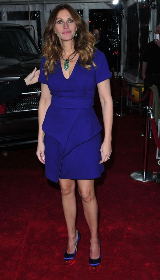 Julia Roberts maskuje ciążowy brzuszek? (FOTO)