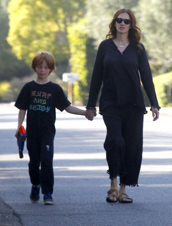 Syn Julii Roberts to wykapana mama (FOTO)