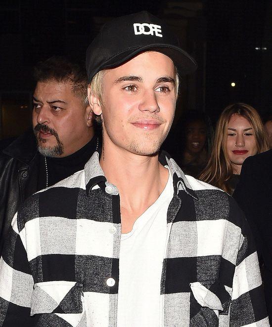 Justin Bieber na koncercie był w sukience?!