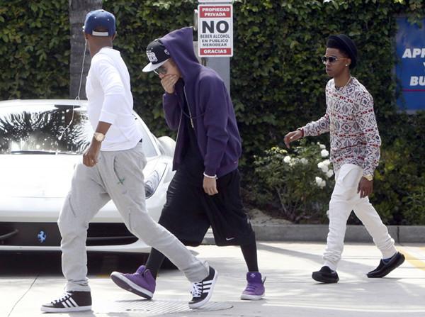S�siedzi maj� do�� eksces�w Justina Biebera