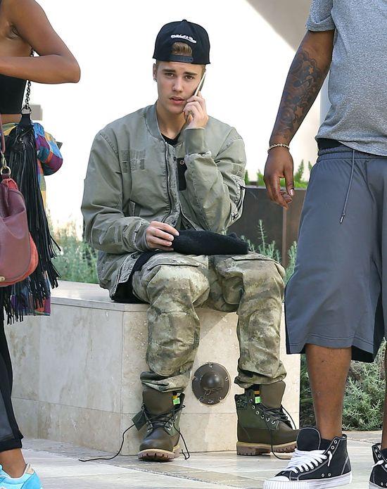 Piękna modelka u boku Justina Biebera