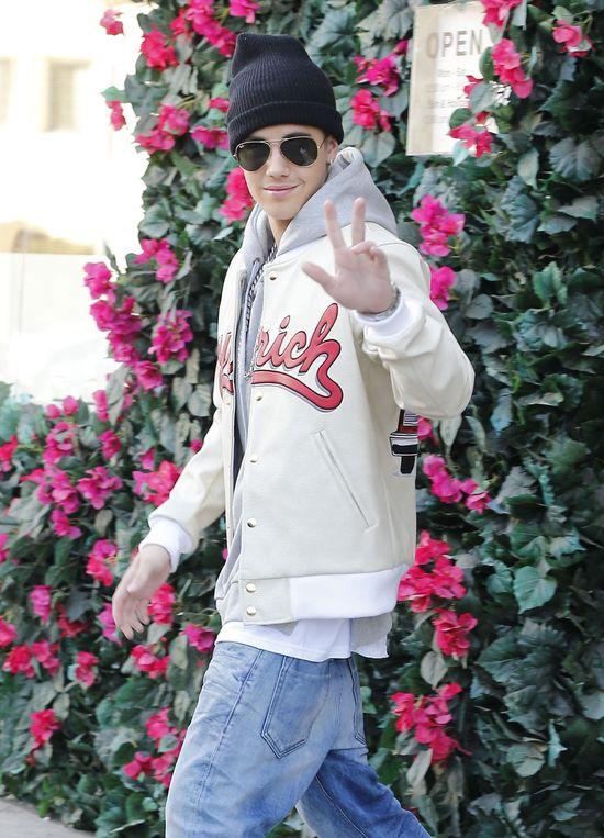 Selena Gomez powi�kszy piersi specjalnie dla Justina Biebera