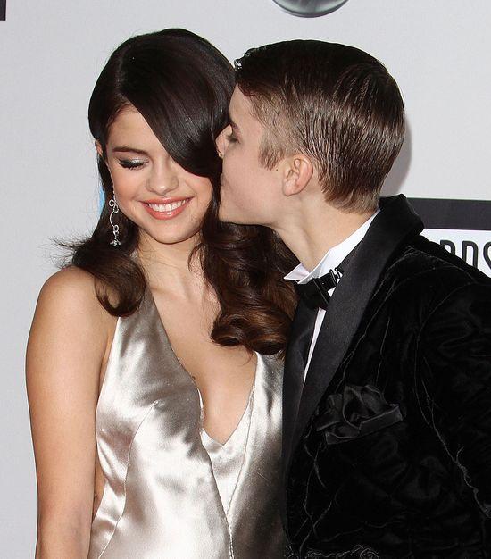Selena Gomez utrzymuje kontakt z mamą Justina Biebera