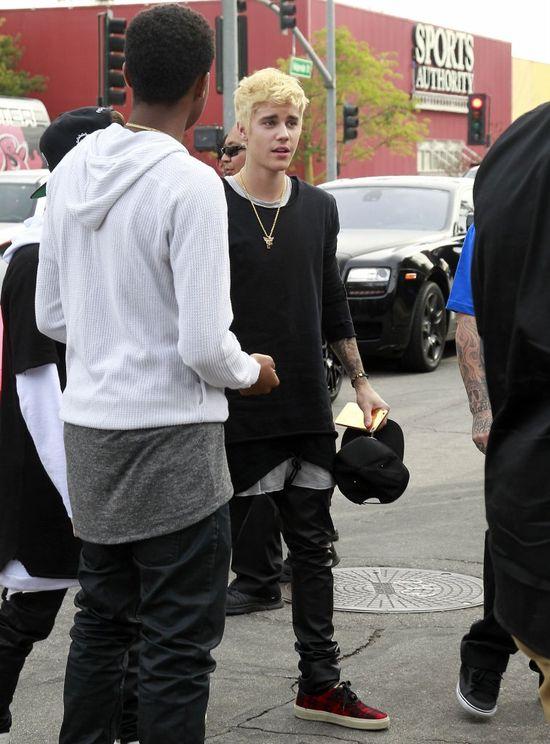 Co powiecie na nową fryzurę Justina Biebera? (FOTO)