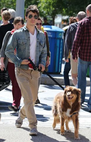 Justin Long z najfajniejszym psem Hollywood (FOTO)