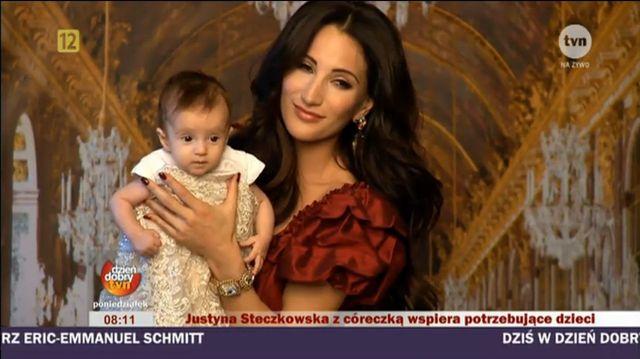 Justyna Steczkowska za kulisami sesji z c�reczk� (FOTO)