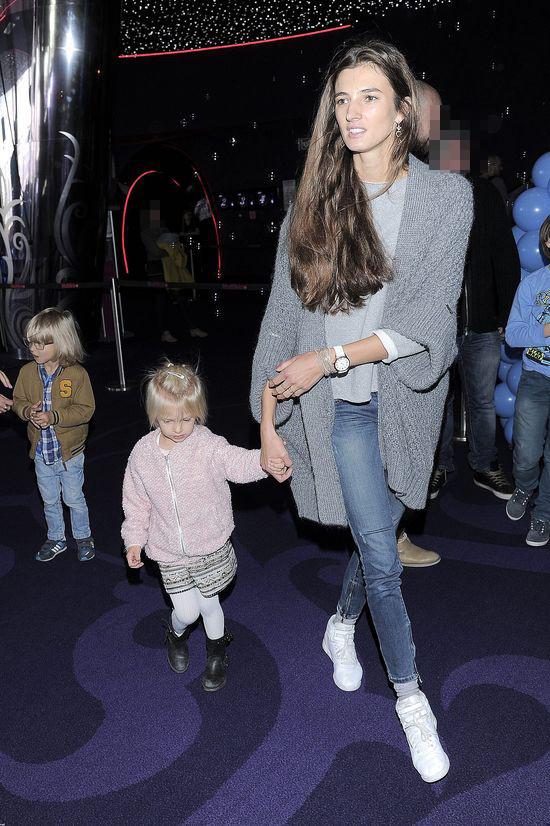 Kamila Szczawińska pozuje z dziećmi (FOTO)