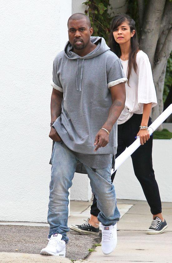 Kanye West �pi na pod�odze
