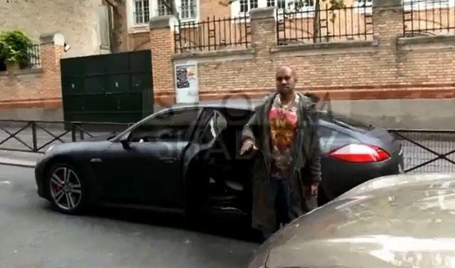 Kanye West jest... miły dla paparazzi! (VIDEO)