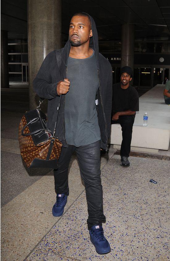 Kanye West nie chce pokazać dziecka przez paparazzi