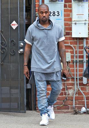 Kanye West sprzedaje koszulki za 120 dolarów!